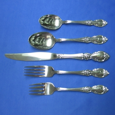 Oneida Louisiana 5 piece place setting